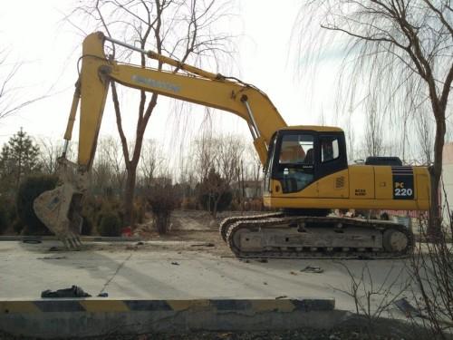 甘肃出售转让二手8685小时2004年小松PC220挖掘机