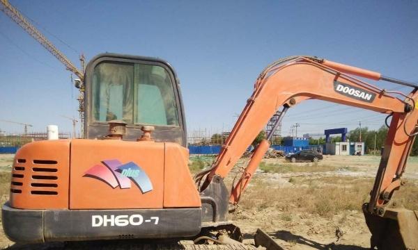 安庆市出售转让二手斗山土方机械