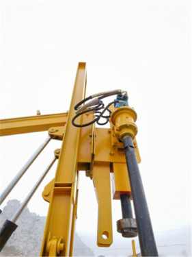 【360#合金大锤头】钨钢合金锤帽,冲击力强,冲击频率高,全新升级360#大锤头,定位准、打桩快,效率提升35%。