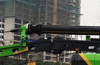 【高效率省人力】优化设计的两段式桅杆,实现桅杆的自动对接和折叠,提高效率,节省人力。