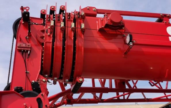 【超强臂架】1.全伸臂长39m,起重性能达到行业老款25t水平。 2.大截面,刚性好;采用PE材料滑块,伸缩动作平顺、不抖。