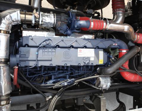 【澎湃动力】潍柴P7 300发动机,爬坡、脱困能力强,最高行驶速度90km/h,最大爬坡度45%。