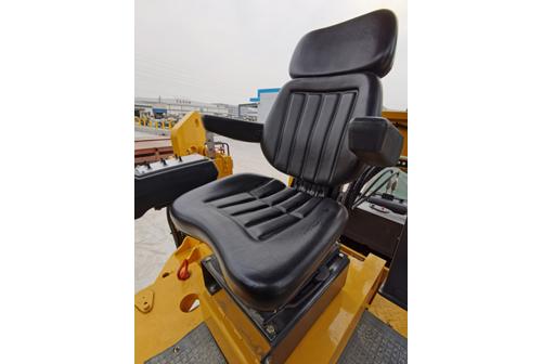 【多图】柳工CLG5100-2铣刨机座椅细节图_高清图