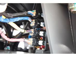 【多图】英轩重工 YX655HV装载机电路防水插件细节图_高清图