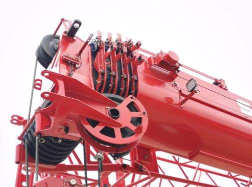 【超长超强主臂】主臂45.5米,采用高强钢板,大截面设计。