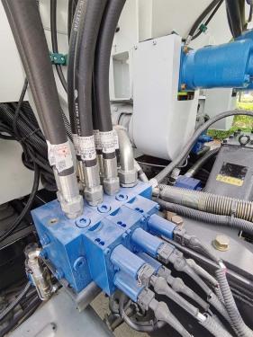 【液压系统】液压系统采用德国力士乐的液压泵及多路阀,并配套优质国产摆线马达,确保整车性能稳定可靠。