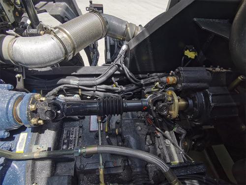 【动力】利用车辆发动机富余功率为设备提供动力,节能减排,降低设备使用成本。