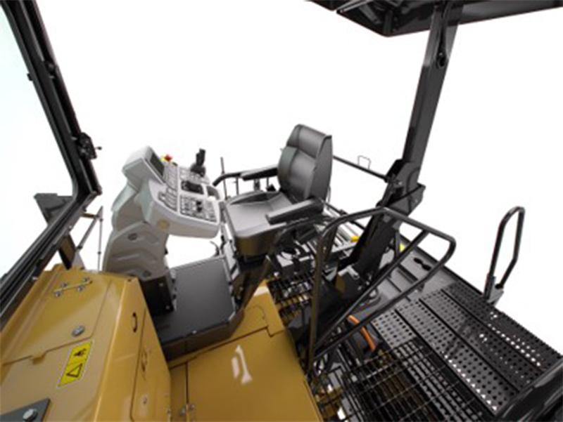 【多图】CAT®(卡特)AP655FL摊铺机驾驶室细节图_高清图