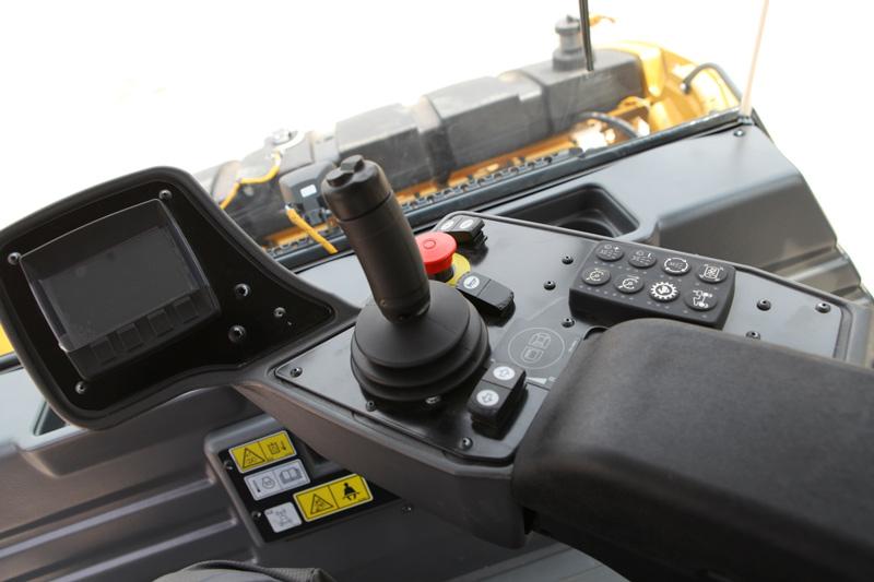 【多圖】CAT?(卡特)CB13雙鋼輪壓路機集成式操控面板細節圖_高清圖