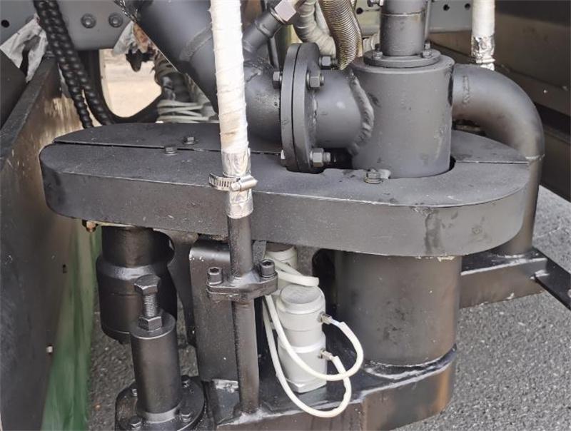 【多圖】美通筑機LMT5316TFCTP-H瀝青碎石同步封層車后噴自動折疊細節圖_高清圖
