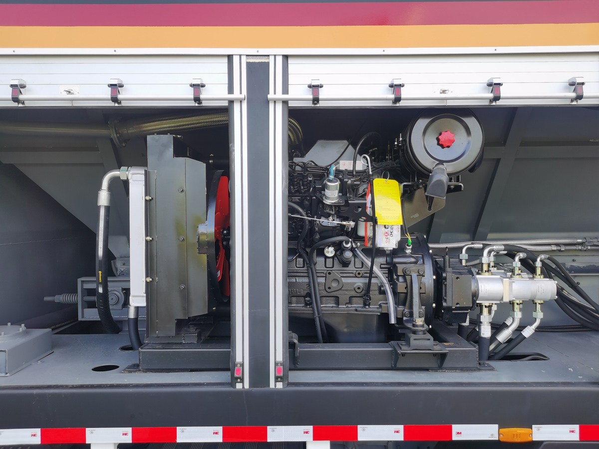 【多图】美通筑机LMT5316TFCX-H黑金刚(微表处)稀浆封层车动力系统细节图_高清图