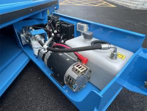 【易维护】1、独家开放式底架设计,缩短日常维护时间; 2、双向叉车孔,设备运输周转更便利。