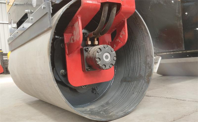 【多图】宜迅2吨全液压双钢轮压路机液压马达细节图_高清图