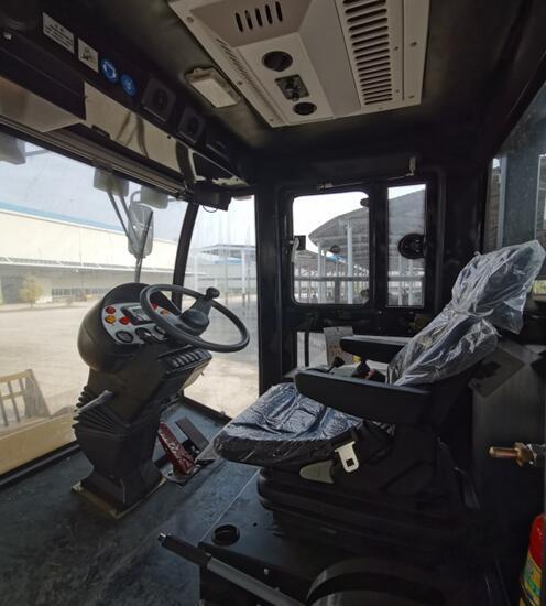 【多图】厦工XG6281F-I垃圾压实机——匠心巨作!驾驶室细节图_高清图