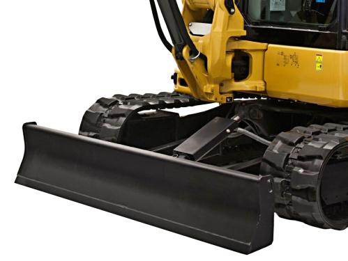 【推土铲可浮动】推土铲具有浮动功能 从驾驶室内部对推土功能进行先导控制,通过将操纵杆推到最前方制动位置,可启用标准浮动功能,清理和回填操作将变得更加轻松,因为操作员在行驶过程中无需调整铲刀高度。