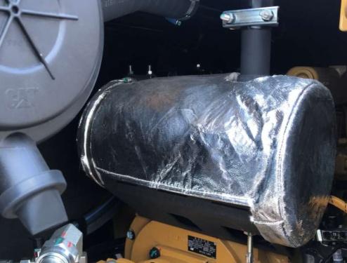【低噪音】噪音比行业要求更低307声音测试结果:驾驶室外: 97 dB(A) 驾驶室内: 72 dB(A)消声器有隔音和抗辐射的材料包裹,有效地保护了消音器振动冲击,延长使用寿命,同时降低噪音。