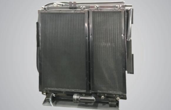 【大型散热器】大型冷却器并列安装,散热效果好,易于清洁与维护。
