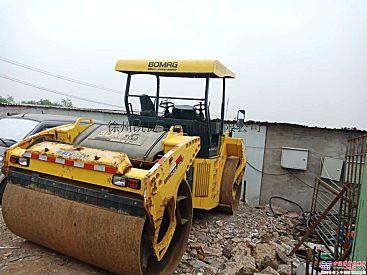 出售2011年宝马格203双钢轮压路机