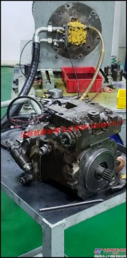 三一压路机振动泵振动马达专业维修15896615137 行走泵行走马达专业维修效验2000小时质保