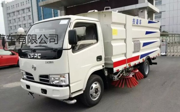 出售二手东风多利卡清扫机扫路车洗扫车