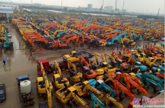昌吉|伊犁|阿克苏|喀什|哈密|和田|塔城|吐鲁番二手挖掘机市场,促销特价新款