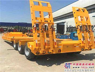 供应13米挖掘机拖板运输车拖板半挂车拖车