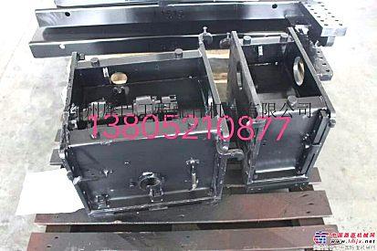 徐工RP751摊铺机熨平板总成选它不跑偏~