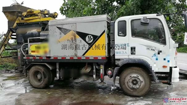 二手搅拌车载泵转让,二手车载混凝土泵车出售,手续齐全全国可过户