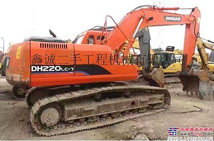 出售原版斗山150-7、220、225、300、370二手挖掘机。质保一年