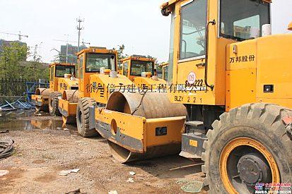 租赁公司批量出售二手徐工、万邦重科SRM222压路机