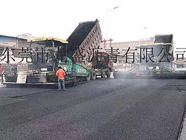 2019东莞沥青道路工程队-凤岗镇工业区沥青路面重修:出租摊铺机