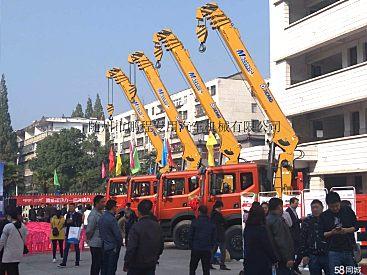 供应徐工KSQS200-4随车吊8吨随车起重运输车价格低