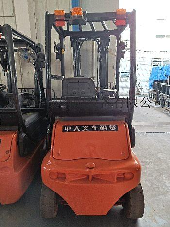 提供林德进口电动叉车维修/蓄电池保养服务:青岛华晟叉车维修中心