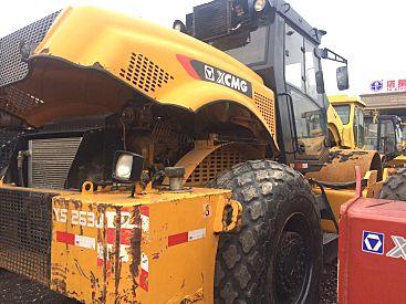 出售二手徐工26吨22吨震动压路机,个人转让22吨压路机