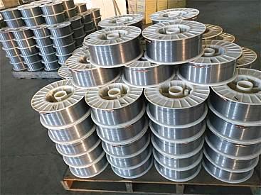 供应山推耐高温耐磨焊丝YD547Mo阀门堆焊焊丝生产厂家锤式破碎机