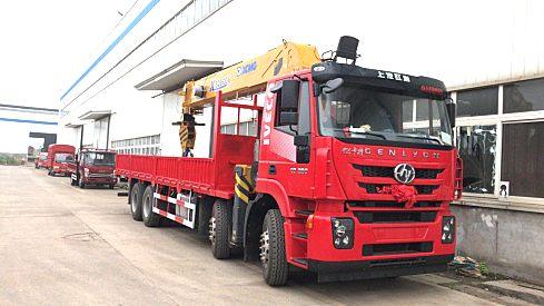 供应徐工KSQS500-6随车吊前四后八科索350马力配徐工20吨6节臂随车吊