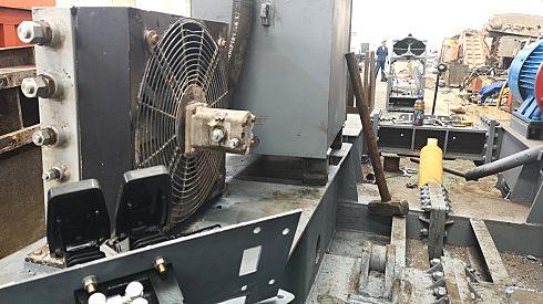 扒渣机修理