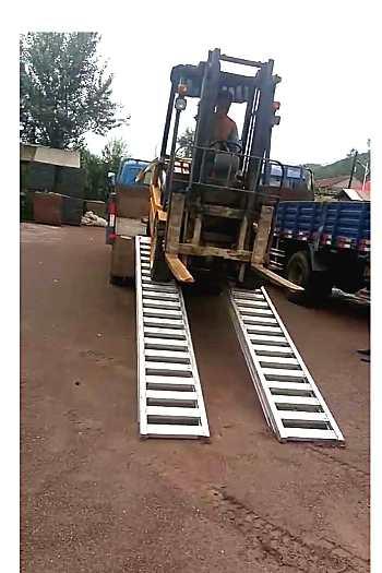 供应叉车专用铝梯上下卡车专用铝爬梯