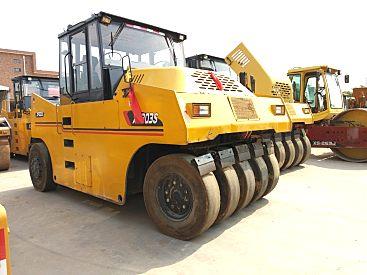 出售二手徐工303胶轮压路机||二手30吨轮胎压路机