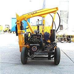 供应恒旺齐全打桩机高速护栏打桩钻孔连霍高速护栏工程