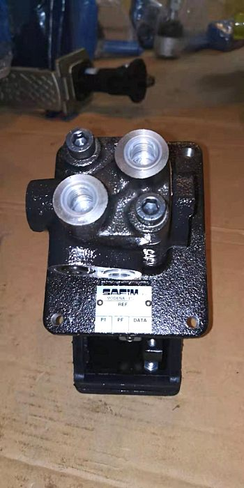 供应鼎盛天工PY220H平地机配套件