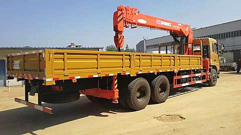 石煤十二吨随车吊,东风十二吨随车吊,十二吨随车吊价格随车吊