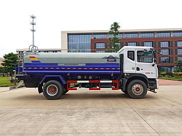 出租易山重工ESN5180GSS洒水车(全国范围可租洒水车,厂家送车到指定地点)