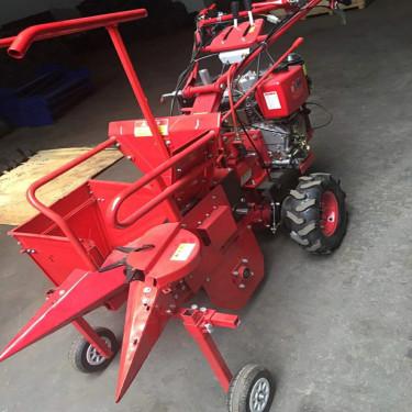 供应常柴186F小型玉米收获机