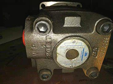 库存处理萨姆HTS 315 CL400摊铺机液压马达