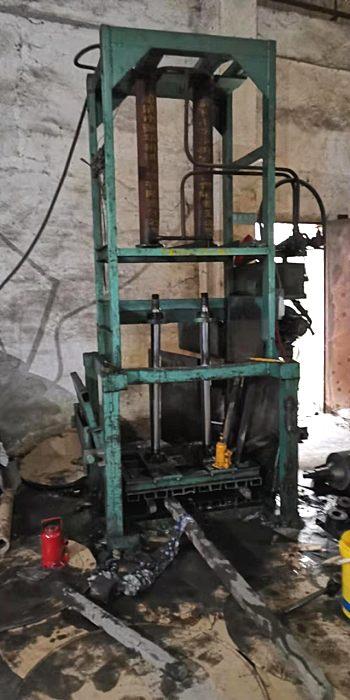 深圳维修液压机漏油丨维修油压机设备丨改造大型液压系统