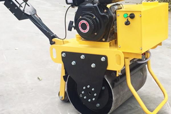 思拓瑞克手扶單鋼輪壓路機回填壓實草坪用小碾子