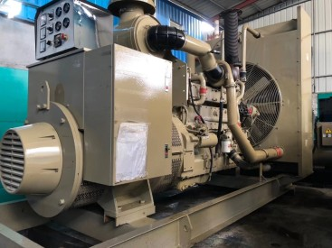 出售450KW二手康明斯发电机KTAA19-G5康明斯柴油发电机(组)
