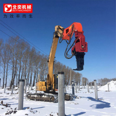 挖掘机改装打钢板桩机 拉森钢板桩机厂家