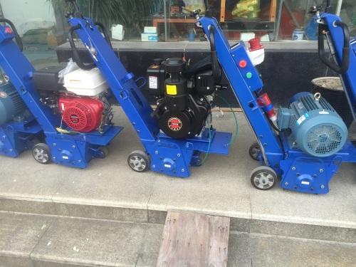 供应300型柴油铣刨机 混凝土铣刨机 大型铣刨机 柴油铣刨机